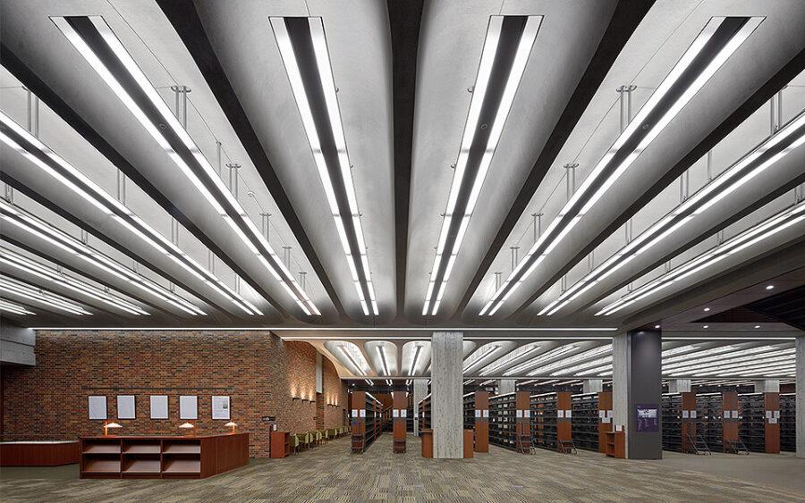 立教大学 ロイドホール(18号館)