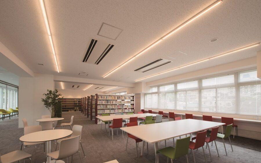 品川エトワール女子高等学校 図書館